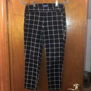 Old Navy Plaid Pixie Pants Size 6